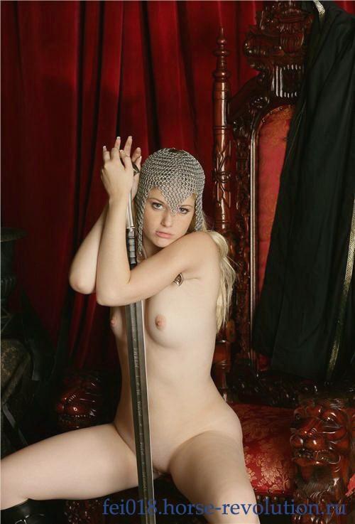 Лучия - мастурбация члена руками